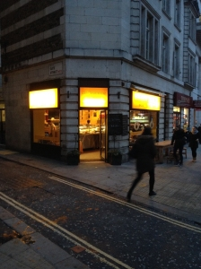 Comfy independent cafe in Holborn – with sunshine yellow for the morn